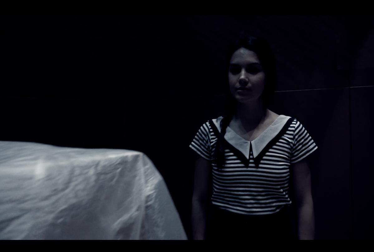 "Teatro: ""Gregor Samsa"". No salgas de la cueva, monstruo enamorado"